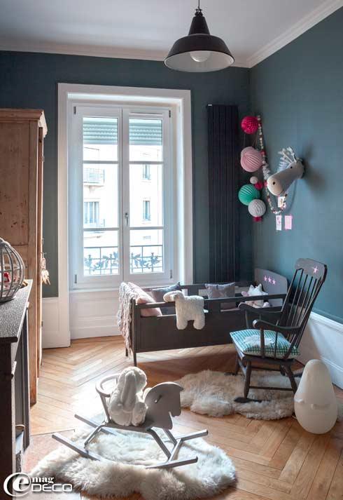 La habitaci n infantil la sobriedad del azul gris ceo for Case francesi arredamento