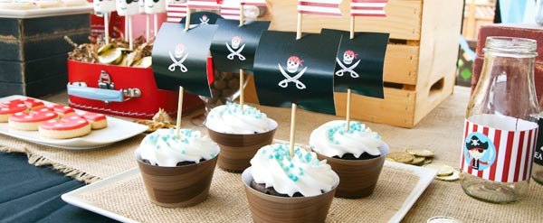 Una fiesta pirata de cumplea os en busca del tesoro the - Comida de cumpleanos en casa ...