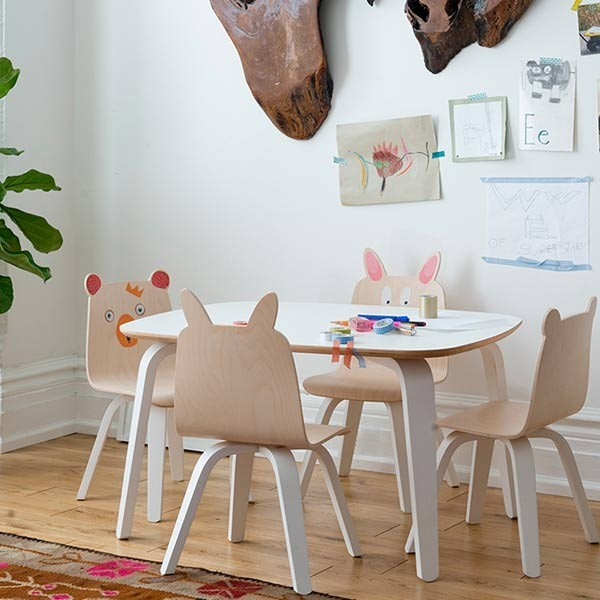Conjunto mesa y sillas by oeuf the little club tienda for Mesa y sillas infantiles