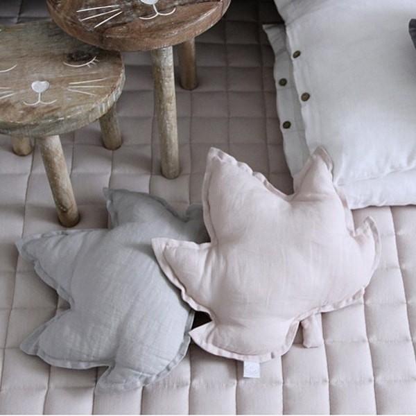 Linen Leaf Pillow