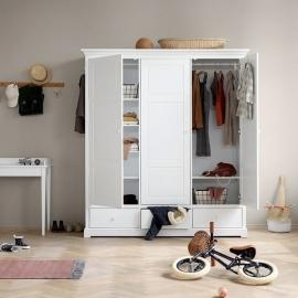 Wardrobe with 3 doors