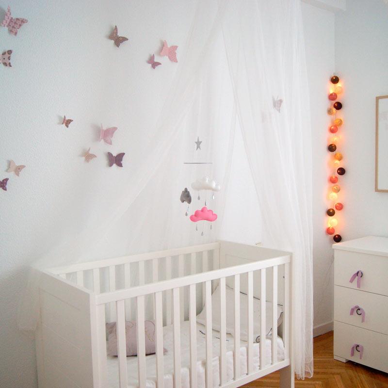 móvil de cuna para habitación bebé