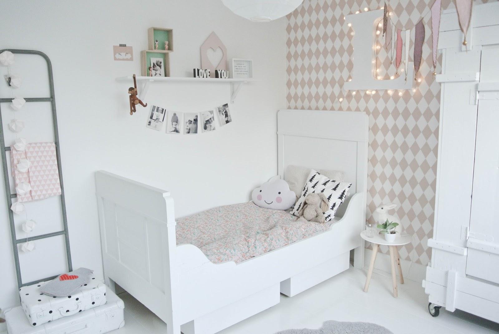 Descubre la habitaci n infantil de lola nuestra ltima - Decoracion habitacion ninos ...