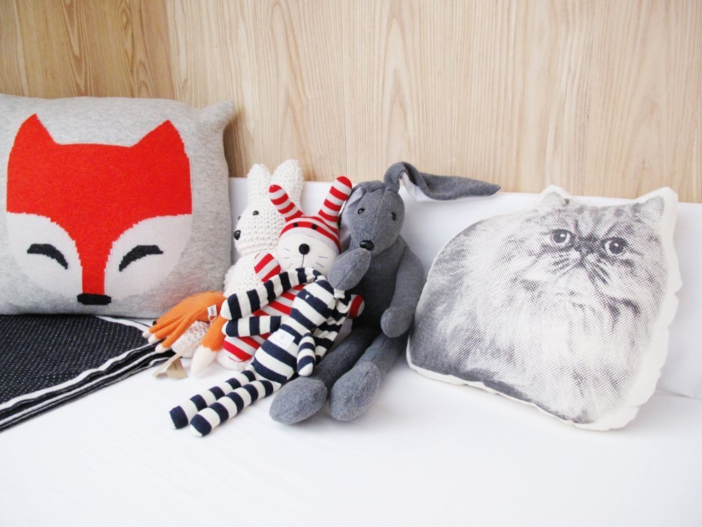 pillows-house-bed-nursery-cat-pillow-fox-pillow
